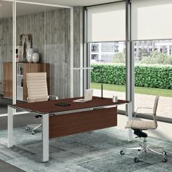Q6 Management Desk